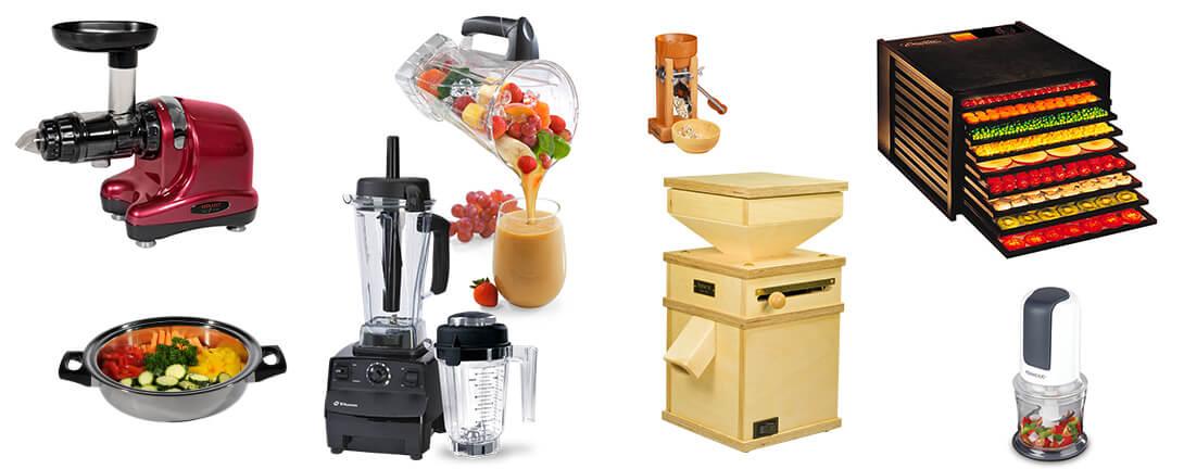 Verschiedene Küchengeräte auf einem Bild. Entsafter, Dörret, Mühle, Mixer, Pfanne und Moulinex.